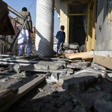 Afganistane nugriaudėjus dviem sprogimams žuvo mažiausiai 14 žmonių