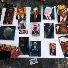 """Izraelio menininkas sukūrė 120 """"D. Trumpo atspalvių"""""""