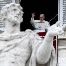 Po operacijos sveikstančio popiežiaus kraujo tyrimai – patenkinami