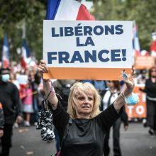 """Prancūzijoje protestuose prieš """"sveikatos pasus"""" dalyvavo beveik ketvirtis milijono žmonių"""