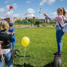 Virš Klaipėdos plevėsavo vaikų rankomis gaminti aitvarai