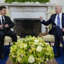 Kijevas: J. Bideno ir V. Zelenskio pokalbis buvo labai atviras, be reveransų