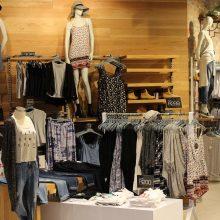Liepą kainos mažėjo: labiausiai pigo drabužiai ir avalynė