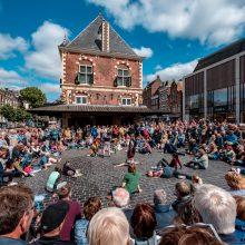 """Gatvės teatro festivalis """"Spot"""": akrobatiniai triukai ir netikėtos erdvės"""