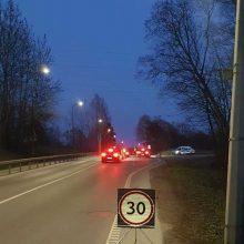 Pareigūnai tikrino, ar kauniečiai sėda prie vairo blaivūs