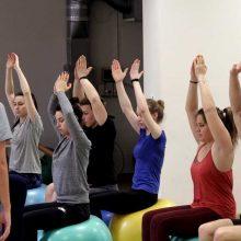 Didieji kineziterapijos kamuoliai: kaip tinkamai juos naudoti?