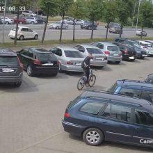 Įžūli vagystė Pramonės prospekte: kaunietė pasigedo dviračio