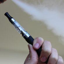 """""""Philip Morris"""" gina teisę teikti informaciją apie bedūmes alternatyvas"""