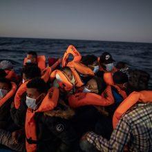 Viduržemio jūroje be žinios dingusiais laikoma dešimtys migrantų