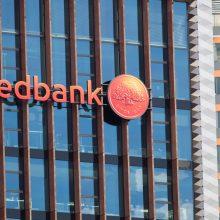 Lenkų rinkimų akcija siūlo apmokestinti bankus