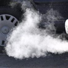 Ministerija ištaisė siūlomo taršių automobilių mokesčio klaidas