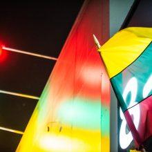 """Vėliavos spalvomis """"Iki"""" parduotuvės švies iki pat Kovo 11-osios"""