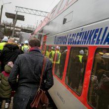 Stringa mokinių pavežėjimo traukiniais paslauga