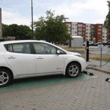 Elektromobilių įkrovimo stotelės uostamiestyje liks nemokamos