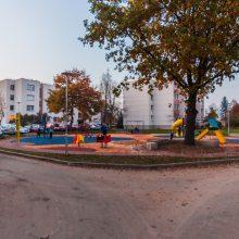 Ežerėlyje – pasikeitę daugiabučių kiemai su erdve vaikams