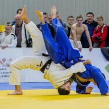 Pernai T. Galstianas <span style=color:red;>(baltas kimono)</span> tapo Lietuvos dziudo svorio kategorijos iki 81 kg čempionu