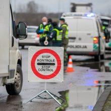 Judėjimo kontrolė bus vykdoma pagrindiniuose keliuose, bus leidžiama vykti aplinkkeliais