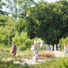 Klaipėdiečiai Jonines šventė botanikos sode