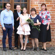 Geriausius Kauno rajono abiturientus pagerbė Raudondvaryje