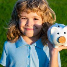Projektas: kitąmet vaiko pinigai didinami 3,5 euro, gerokai augs globos išmokos