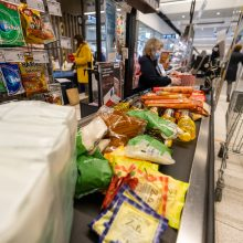 """""""Maisto banko"""" akcijos metu """"Maximos"""" pirkėjai paaukojo beveik 82 tūkst. vienetų maisto produktų"""