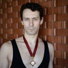 Auksinio scenos kryžiaus laureato svajonė – vasara vienuolyne