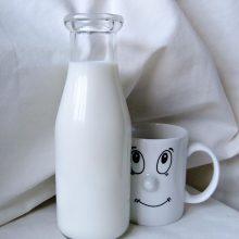 Sausra sumažino pieno supirkimo kainas