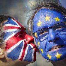 """ES lyderiai perspėja būsimą britų premjerą: naujų derybų dėl """"Brexit"""" sutarties nebus"""