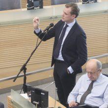Opoziciją supykdė premjero atsakymai: siūlo šaukti neeilinį Seimo posėdį