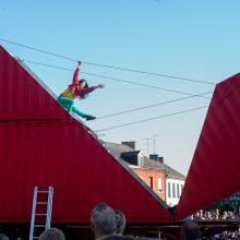 """Festivalyje """"Naujasis Baltijos šokis"""" – išlankstytas miesto origamis"""