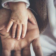Seimas pritarė siūlymui dėl tėvystės atostogų
