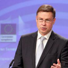 Latvija į Europos Komisiją vėl deleguoja V. Dombrovskį