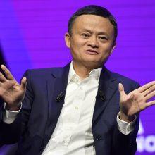 """Vaizdo įraše pasirodė iš viešumos spalį dingęs """"Alibaba"""" vadovas"""
