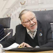 """V. Landsbergis apie diskusijas dėl rezoliucijos: rengia psichologišką """"krištolinę naktį"""""""