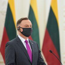 Lenkijos prezidentas Vilniuje gynė veto ES biudžetui: nesutinkame su diktatu