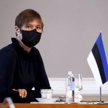"""Estijos prezidentė paskiepyta pirmąja """"AstraZeneca"""" vakcinos nuo COVID-19 doze"""