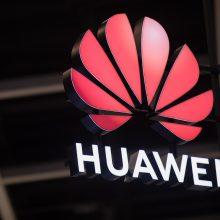 """""""Huawei"""" atsakymas JAV: jau šiemet turėsime savo operacinę sistemą"""