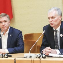 """R. Karbauskis siūlys """"valstiečiams"""" remti G. Nausėdą"""