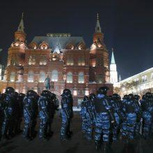 ES pradeda svarstyti galimybę paskelbti Rusijai naujų sankcijų