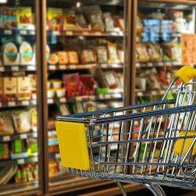 Tyrimas: pigiausių maisto produktų krepšelis toliau brangsta