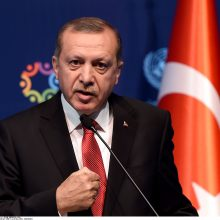 Turkijos prezidentas žada neatšaukti rusiškų raketų pirkimo