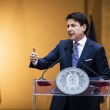 Italijos premjeras apklaustas dėl karantino
