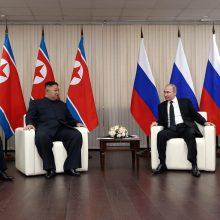 Vladivostoke prasidėjo V. Putino ir Kim Jong Uno susitikimas