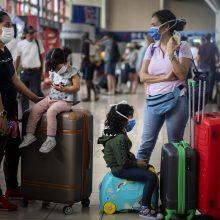 Kuba taikys karantiną turistams ir mėnesiui uždarys sienas