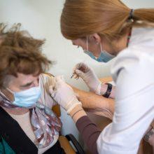 """Sostinė kviečia senjorus nuo ketvirtadienio skiepytis """"Pfizer-BioNTech"""" vakcina"""