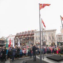 Vilnius jau švenčia: iškeltos vėliavos, atidaryta paroda