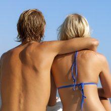 Rusijos nudistai skundžiasi homoseksualų orgijomis pliaže