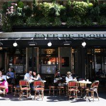 Prancūzijoje atidaromos kavinės ir restoranai