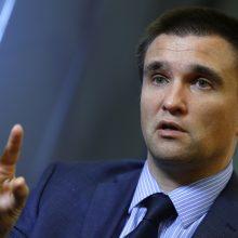 V. Zelenskis siūlo atstatydinti užsienio reikalų ir gynybos ministrus bei SBU vadovą