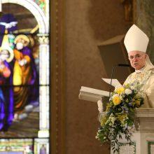 """Buvęs Vatikano pasiuntinys apkaltino popiežių """"įžūliu melu"""""""